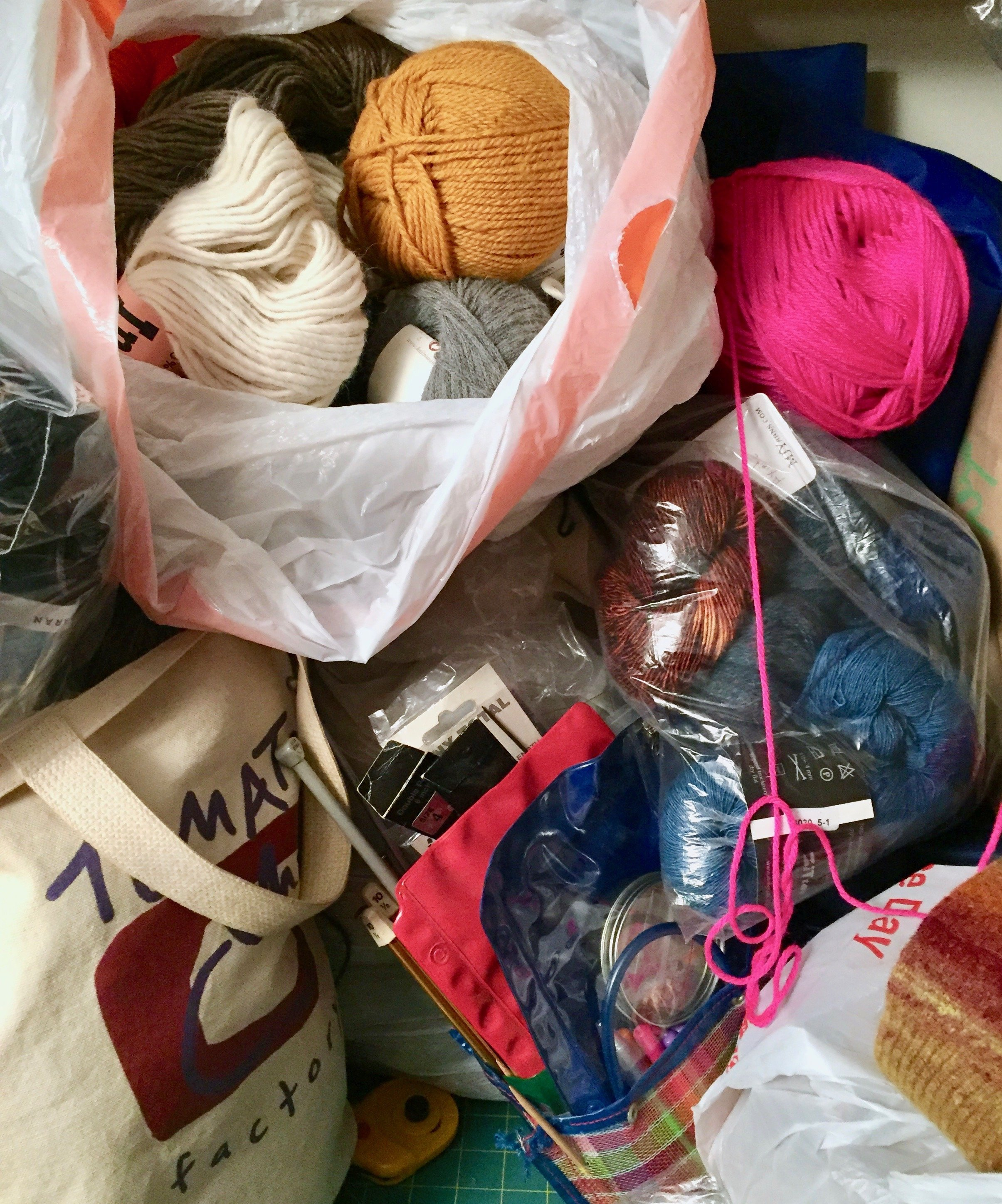 Messy project-filled homes knitters