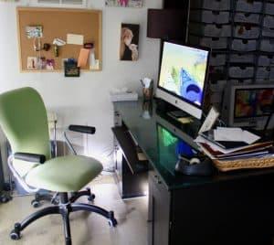 Computer Crash iMac on Desk