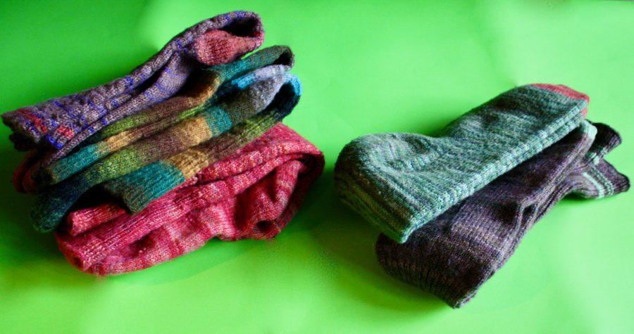 Darning Piles Socks 01-08-20 01