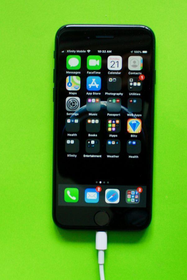 iPhone SE 06-21-20 01