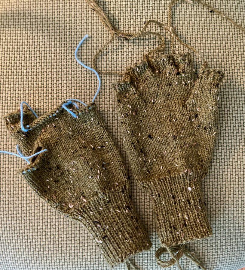 Fingerless Gloves Olive Tweed 06-13-21 01
