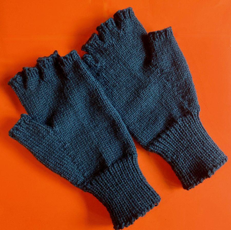 Fingerless Gloves Teal 06-11-21 01