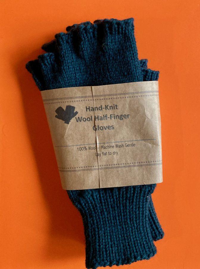 Fingerless Gloves Teal 06-11-21 04
